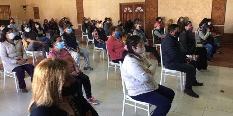 Municipio de La Serena comprará camión limpia fosas para habitantes de Ceres
