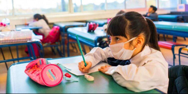 Mineduc fija el 1 de marzo inicio del año escolar 2021